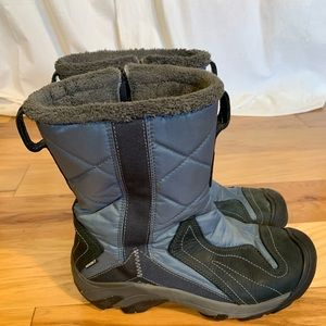 Keen Betty winter zip up boot in slate and black